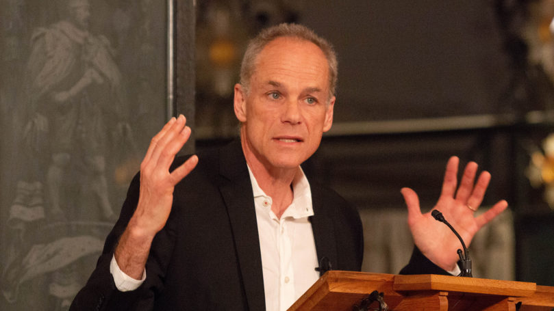 Marcelo Gleiser speaks on 'unknowns in heaven and earth'